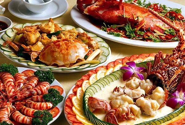 Thưởng thức những món ăn hải sản vô cùng ngon miệng và hấp dẫn